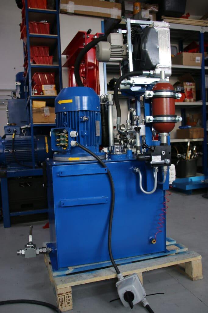 testy zmodernizowanego agregatu dla borgwarner pompa aopatkowa z regulowanym wydatkiem chaodnica pow olejowa akumulator 683x1024 - Serwis