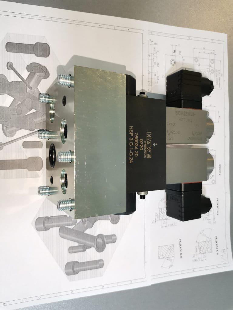 zaprojektowanie i wykonanie plyty posredniej pod rozdzielacz hawe przejscie z przylacza pod zawor hsf na przylacze pod nieprodukowany zawor hsp rdl hydraulics 768x1024 - Valve blocks